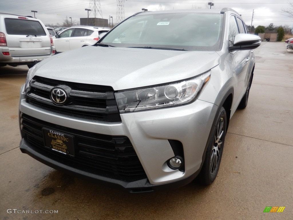 Celestial Silver Metallic Toyota Highlander Se Awd