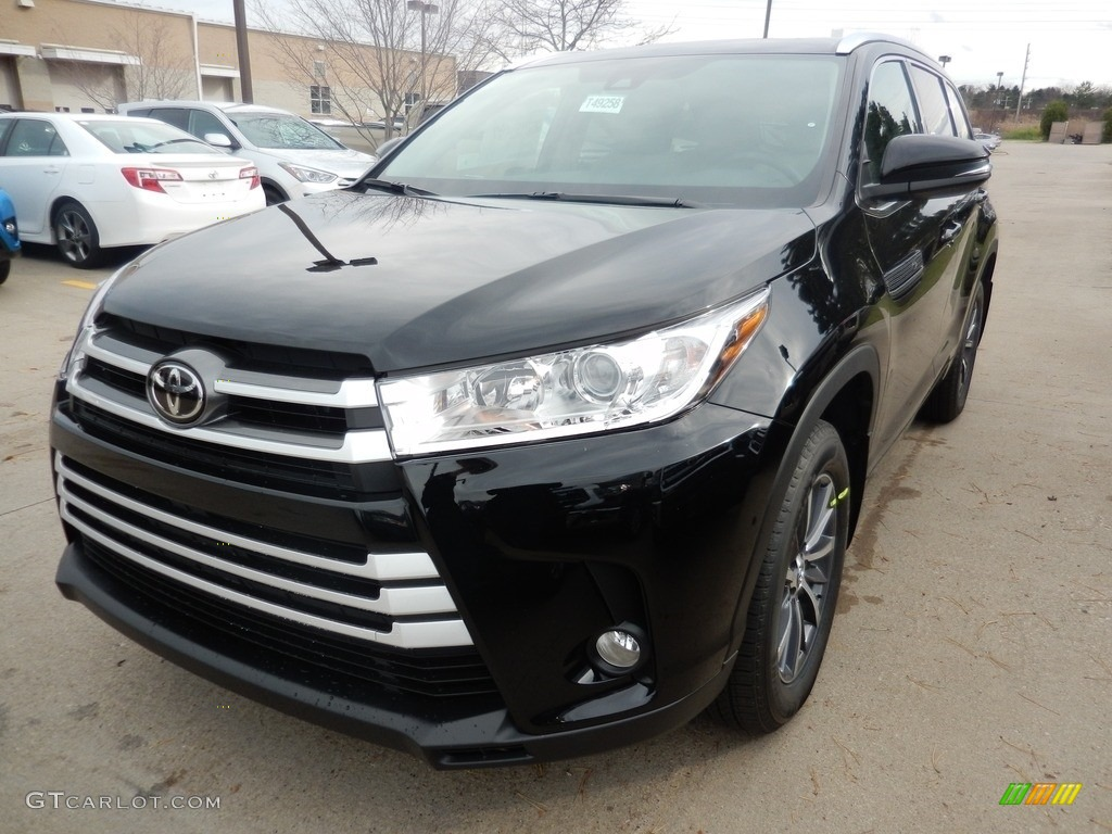 2017 midnight black metallic toyota highlander xle awd 117348316 car color. Black Bedroom Furniture Sets. Home Design Ideas