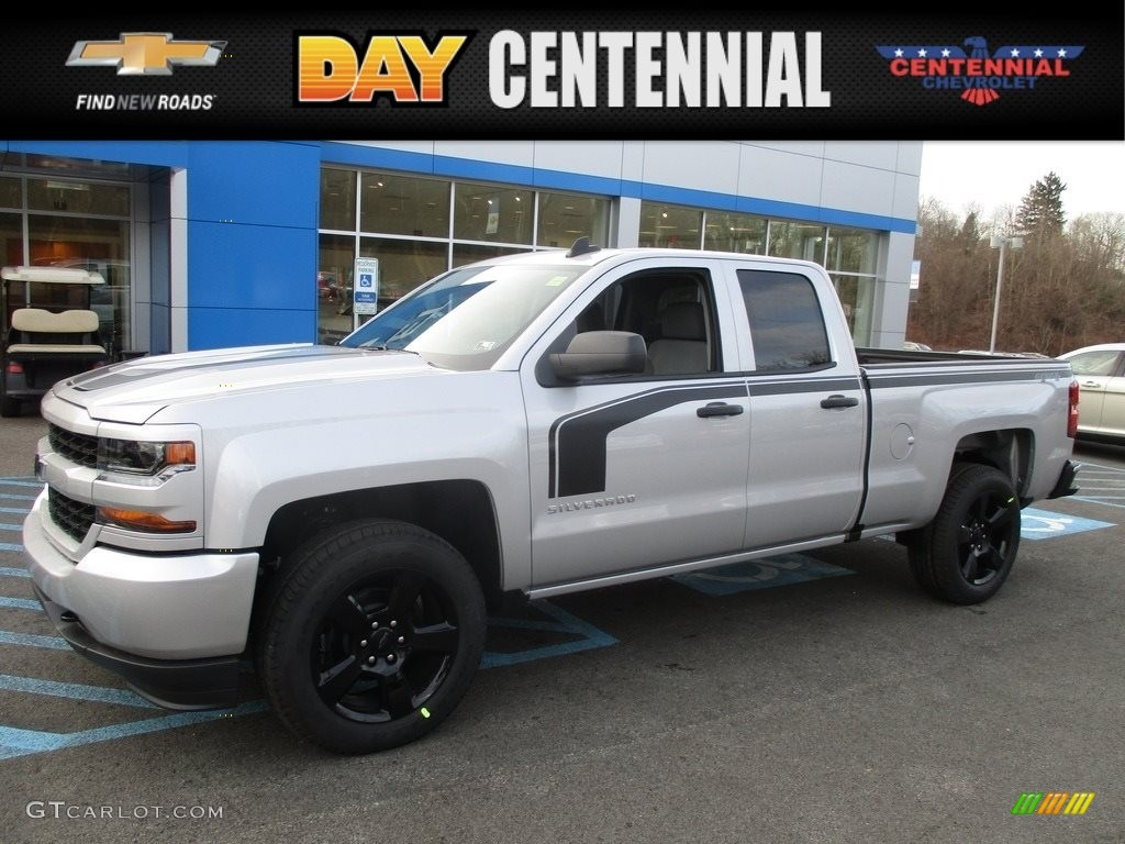 2017 silver ice metallic chevrolet silverado 1500 custom double cab 4x4 117365777 gtcarlot. Black Bedroom Furniture Sets. Home Design Ideas