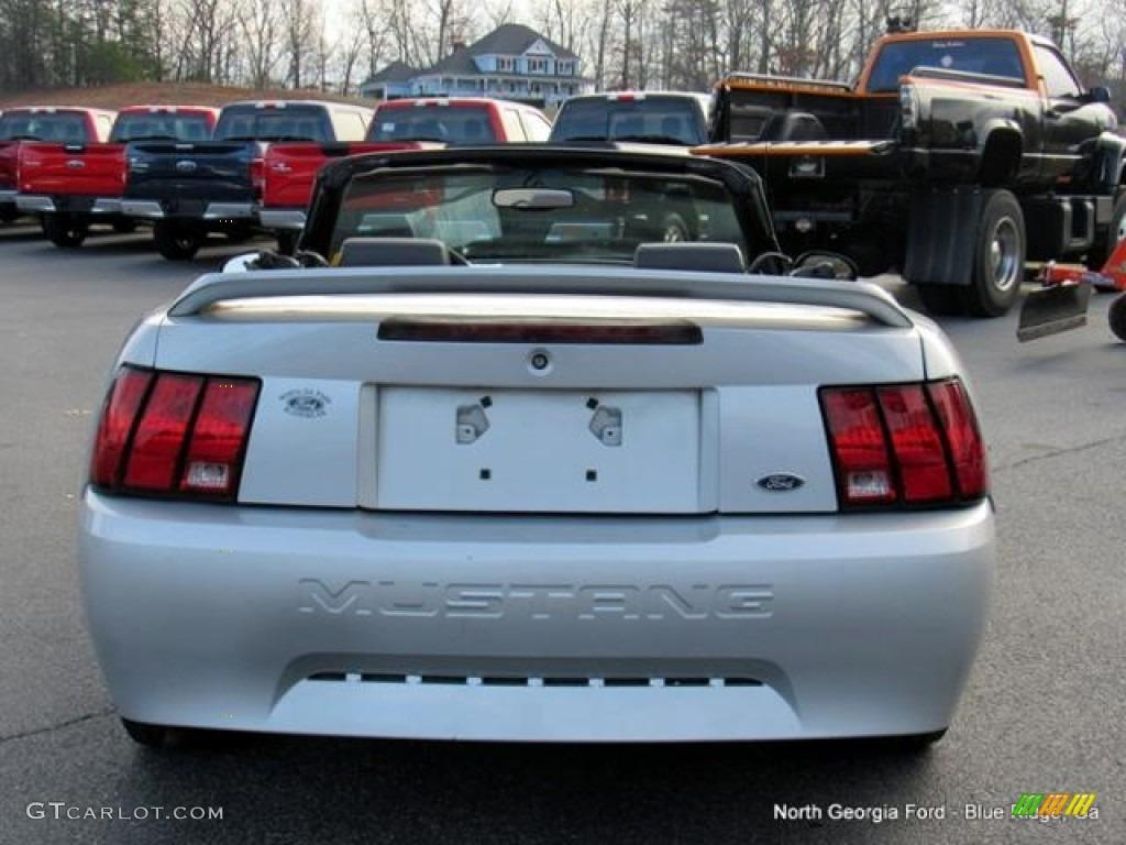 2000 Mustang V6 Convertible - Silver Metallic / Dark Charcoal photo #4