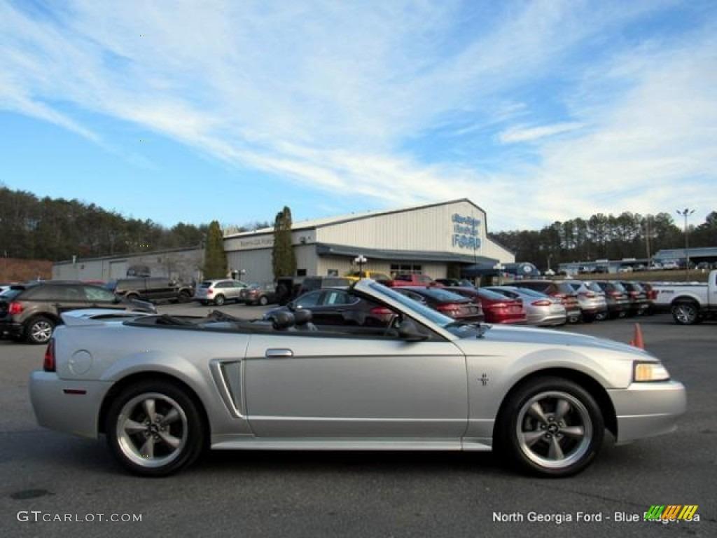 2000 Mustang V6 Convertible - Silver Metallic / Dark Charcoal photo #6