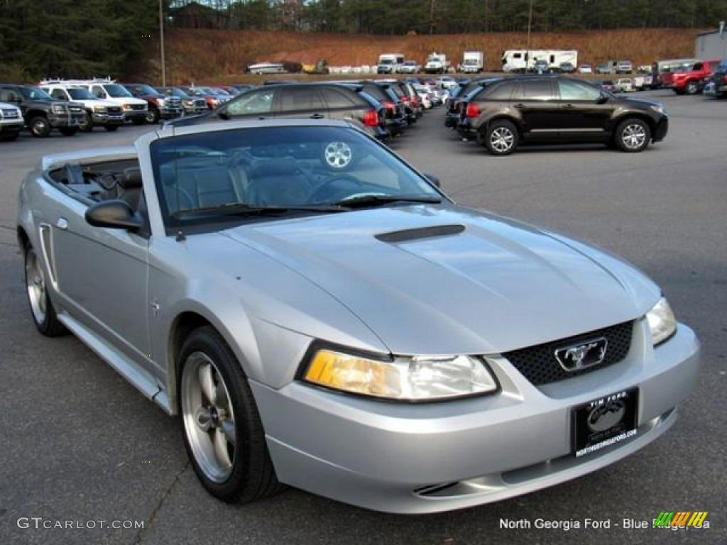 2000 Mustang V6 Convertible - Silver Metallic / Dark Charcoal photo #7