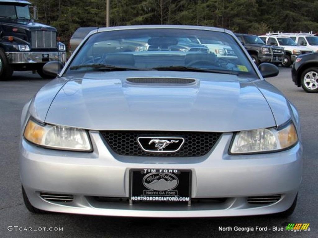 2000 Mustang V6 Convertible - Silver Metallic / Dark Charcoal photo #8