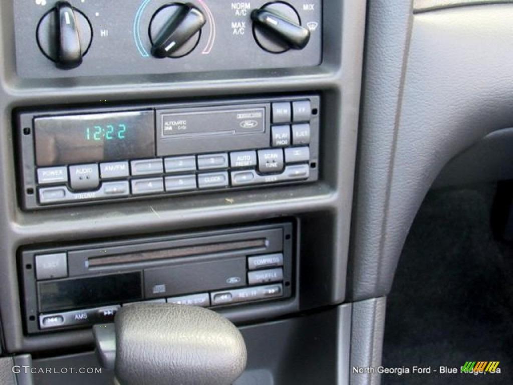 2000 Mustang V6 Convertible - Silver Metallic / Dark Charcoal photo #18
