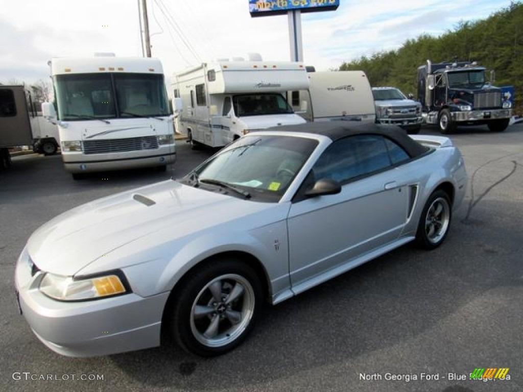 2000 Mustang V6 Convertible - Silver Metallic / Dark Charcoal photo #19