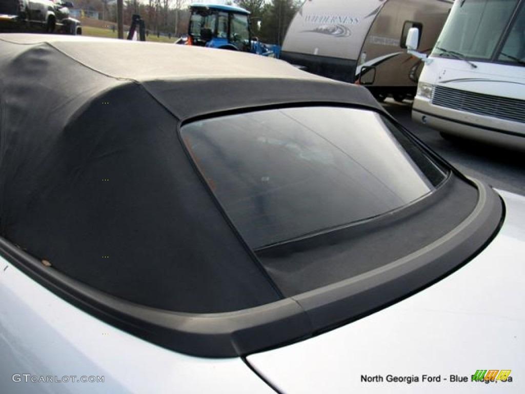 2000 Mustang V6 Convertible - Silver Metallic / Dark Charcoal photo #20