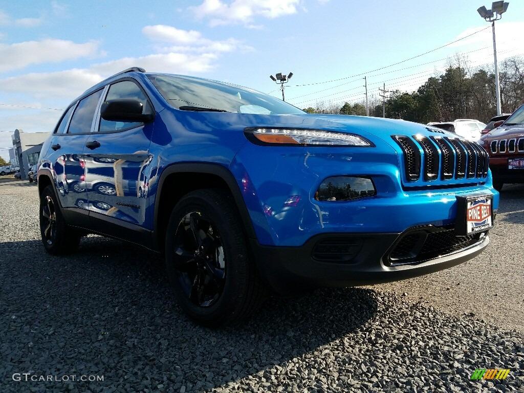 Hydro Blue Pearl Jeep Cherokee