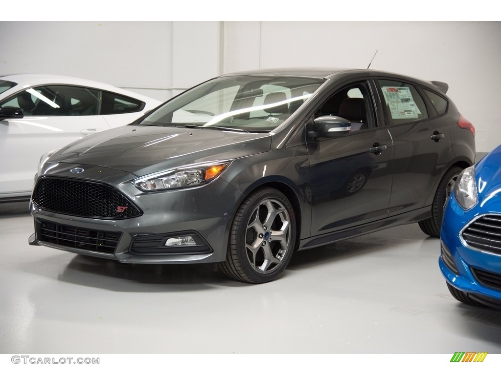 2017 Focus St Hatch Magnetic Charcoal Black Photo 1