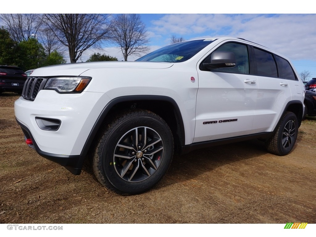 2017 bright white jeep grand cherokee trailhawk 4x4 118061090 car color galleries. Black Bedroom Furniture Sets. Home Design Ideas
