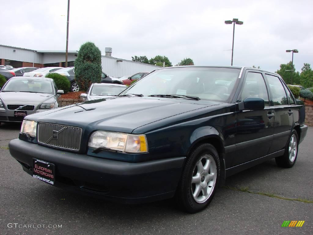 on 1996 Volvo 850 Green