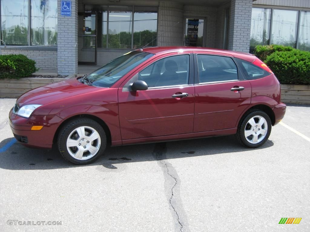 2006 dark toreador red metallic ford focus zx5 ses hatchback 11812310 car. Black Bedroom Furniture Sets. Home Design Ideas