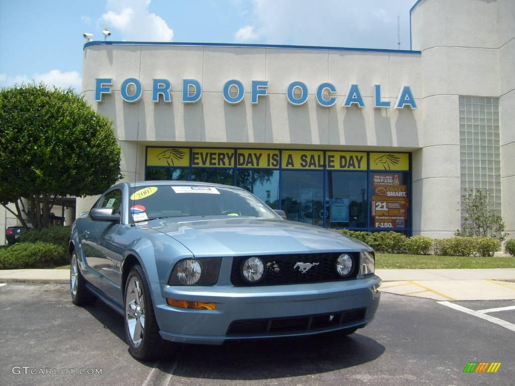 2007 Mustang GT Premium Coupe - Windveil Blue Metallic / Light Graphite photo #1