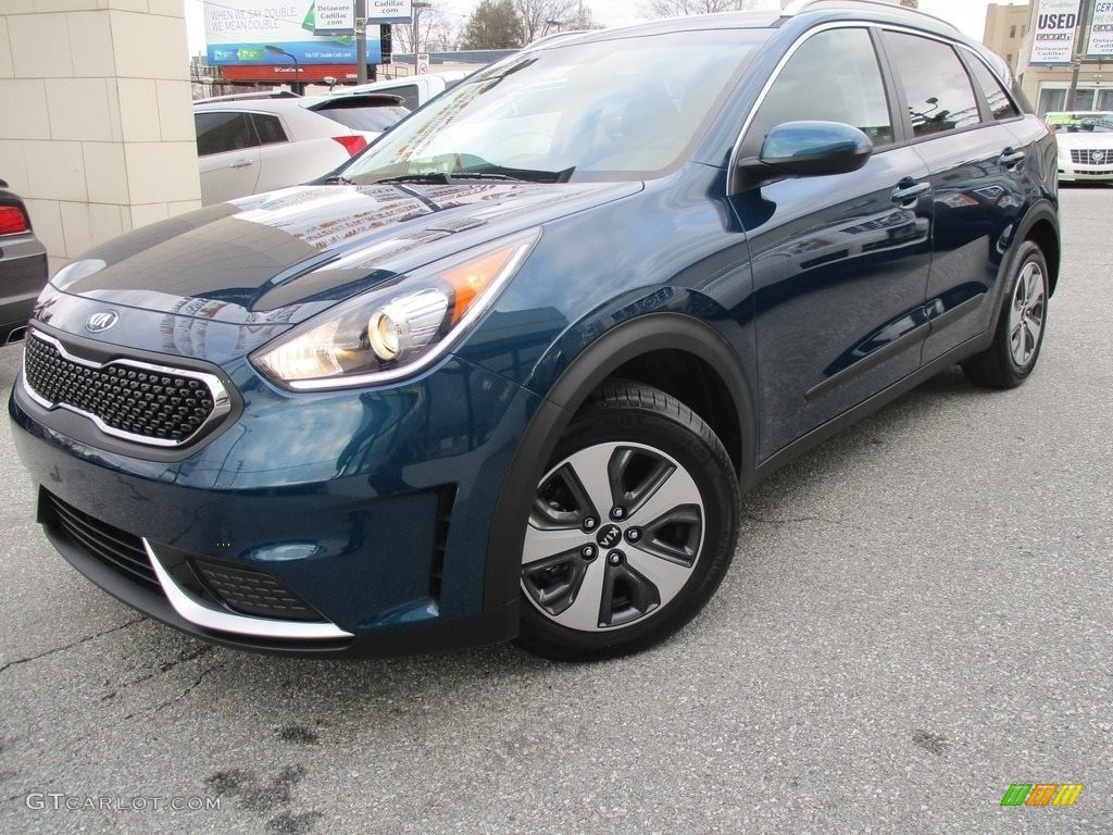 deep cerulean blue 2017 kia niro lx hybrid exterior photo 118445287. Black Bedroom Furniture Sets. Home Design Ideas