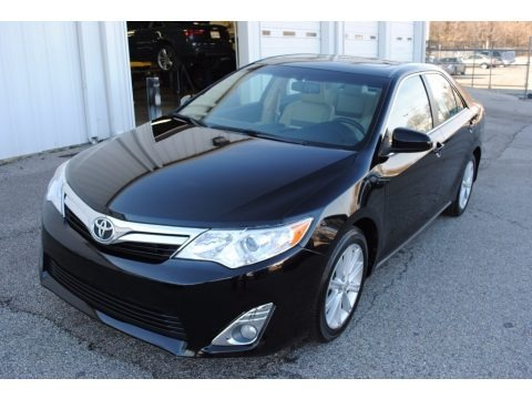 2014 toyota camry xle v6 data info and specs. Black Bedroom Furniture Sets. Home Design Ideas