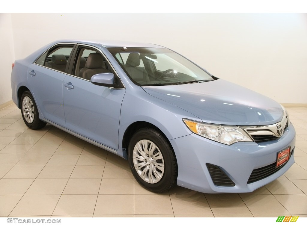 2014 clearwater blue metallic toyota camry le 118732321 photo 10 car color. Black Bedroom Furniture Sets. Home Design Ideas