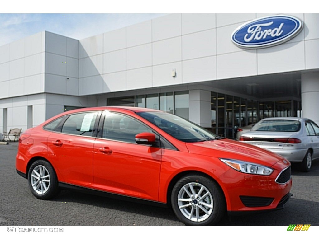 2017 race red ford focus se sedan 118826491 photo 18 car color galleries. Black Bedroom Furniture Sets. Home Design Ideas