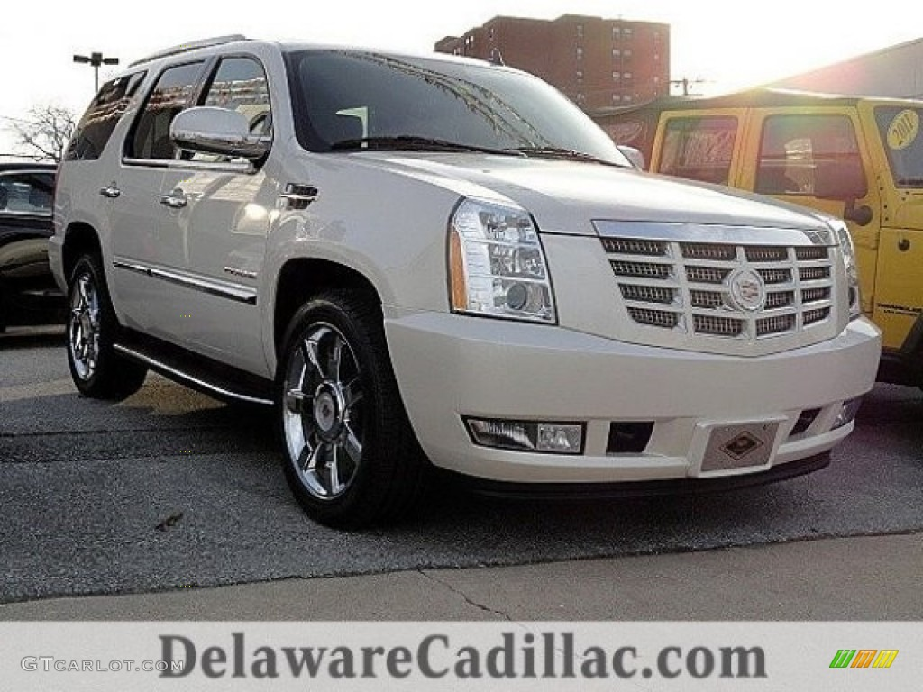 2014 white diamond tricoat cadillac escalade luxury awd. Black Bedroom Furniture Sets. Home Design Ideas