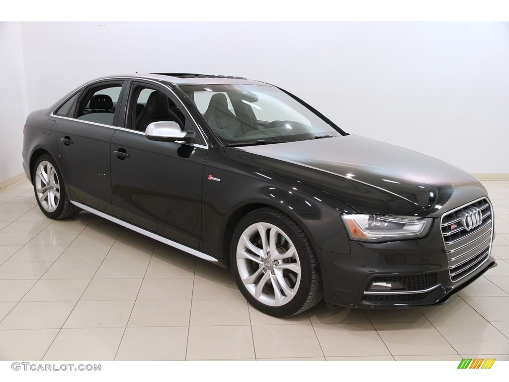 Phantom Black Pearl Audi S4