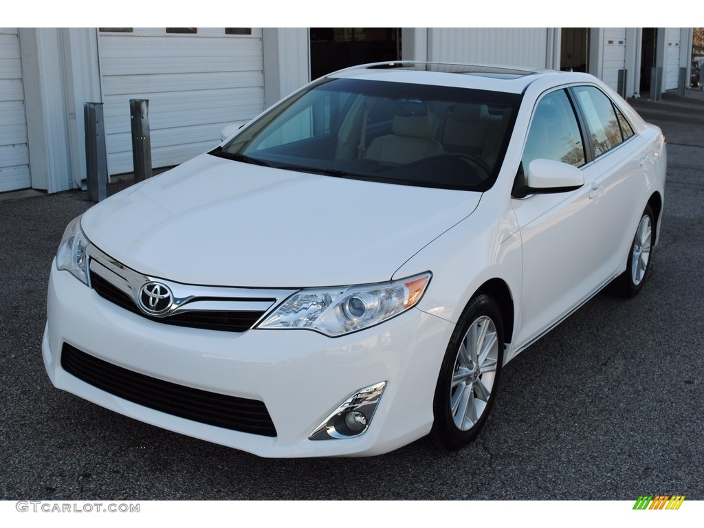 2014 super white toyota camry xle 118949794 car color galleries. Black Bedroom Furniture Sets. Home Design Ideas
