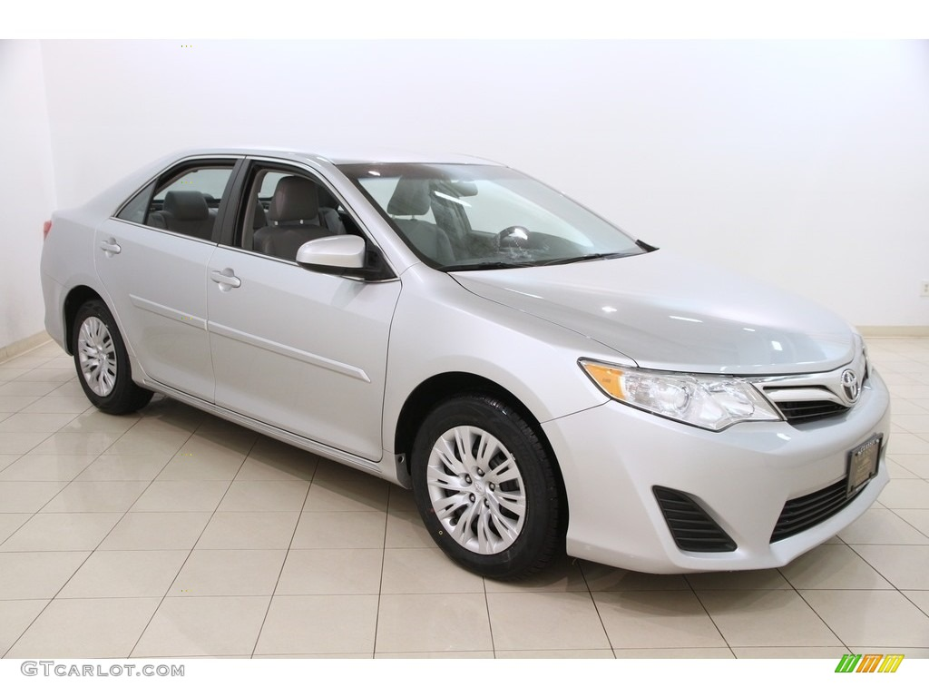 2014 classic silver metallic toyota camry le 119281427 car color galleries. Black Bedroom Furniture Sets. Home Design Ideas