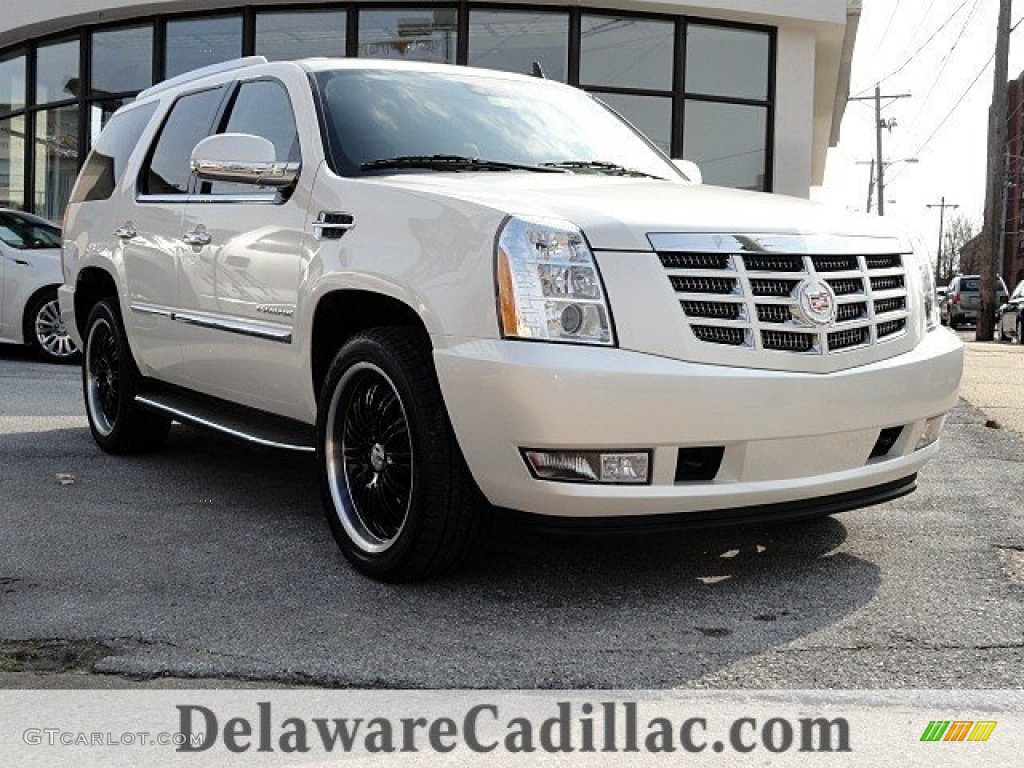2011 white diamond tricoat cadillac escalade luxury. Black Bedroom Furniture Sets. Home Design Ideas