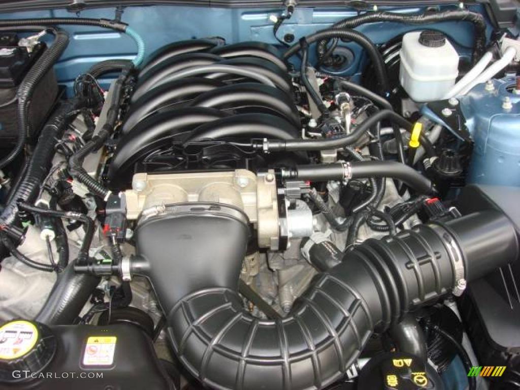 2006 Ford Mustang GT Premium Coupe 4.6 Liter SOHC 24-Valve VVT V8 Engine Photo #11964082