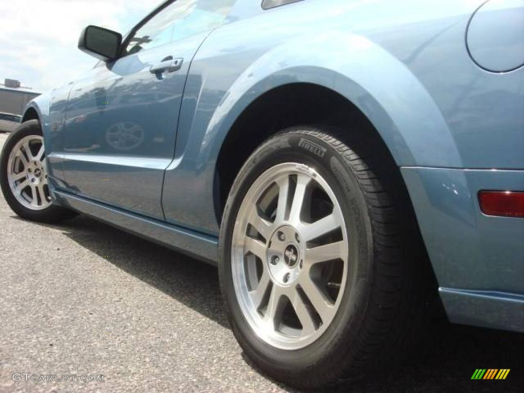 2006 Ford Mustang GT Premium Coupe Wheel Photo #11964123