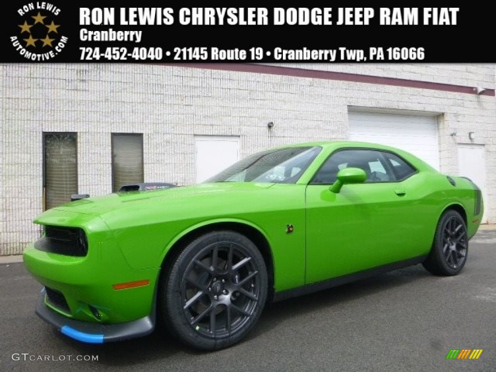 2017 green go dodge challenger 392 hemi scat pack shaker 119719512 car color. Black Bedroom Furniture Sets. Home Design Ideas