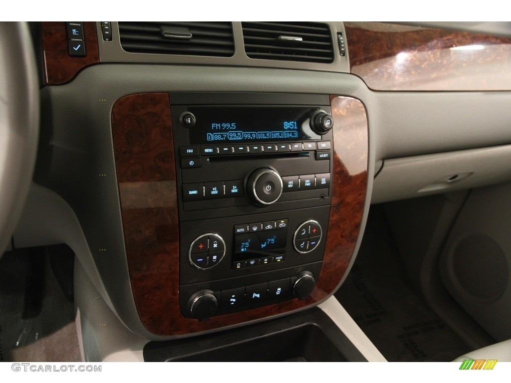 2013 Chevrolet Silverado 1500 LTZ Crew Cab 4x4 Controls Photos