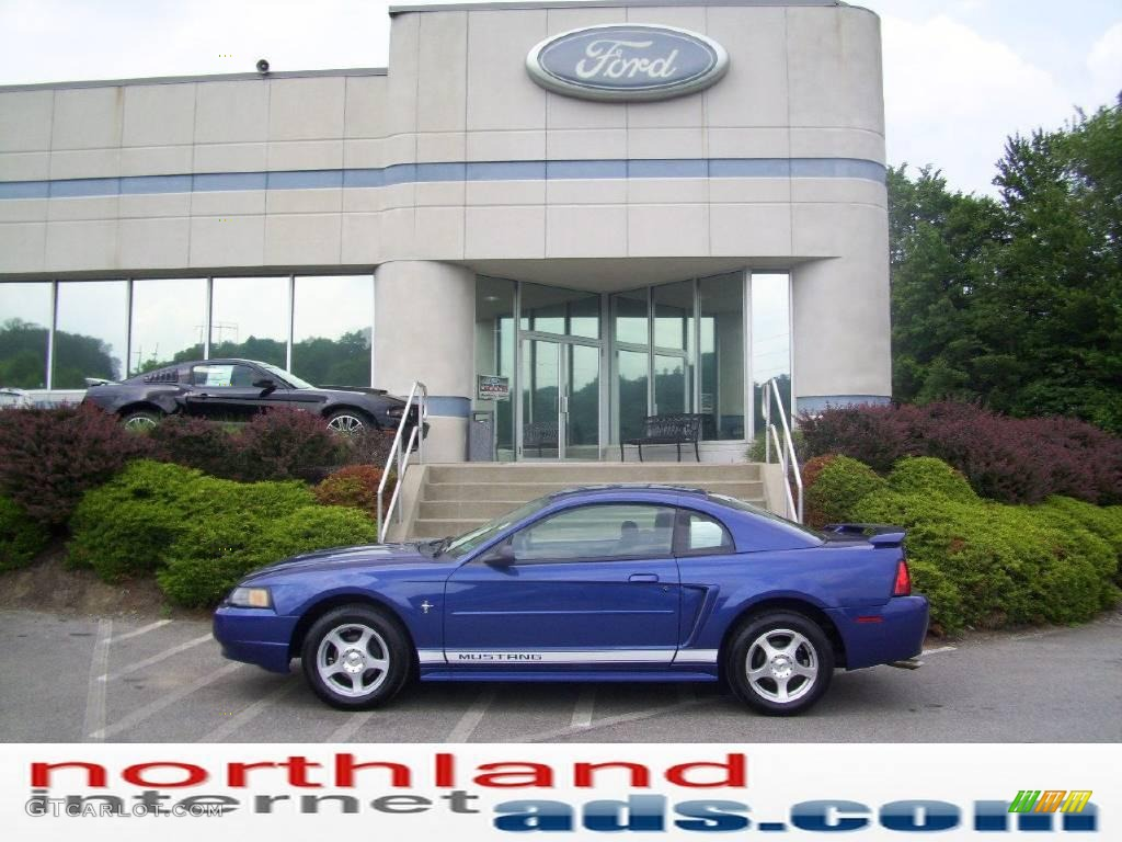 2003 Mustang V6 Coupe - Sonic Blue Metallic / Medium Graphite photo #1