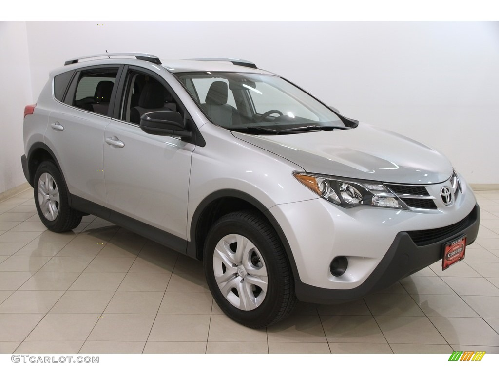 2015 classic silver metallic toyota rav4 le 120125857. Black Bedroom Furniture Sets. Home Design Ideas