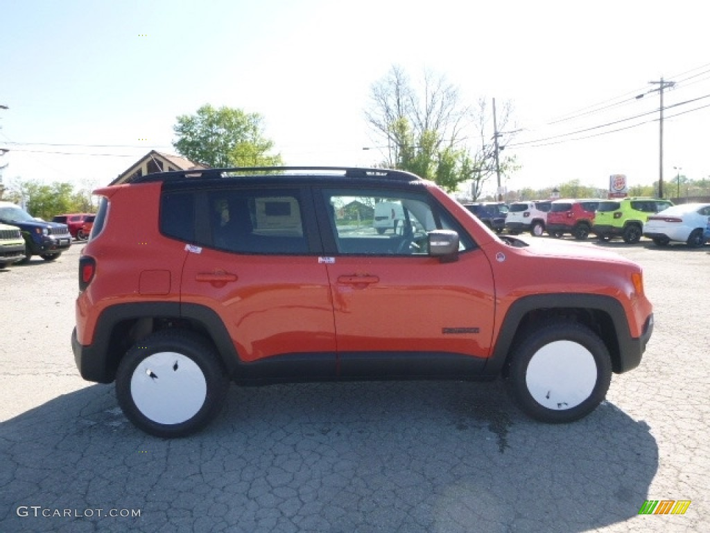 2017 Renegade Trailhawk 4x4 - Omaha Orange / Black photo #7