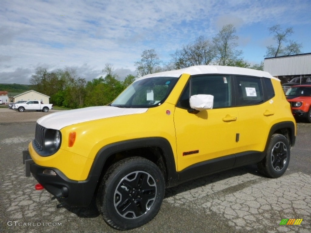 2017 solar yellow jeep renegade trailhawk 4x4 120285797 photo 20 car color. Black Bedroom Furniture Sets. Home Design Ideas