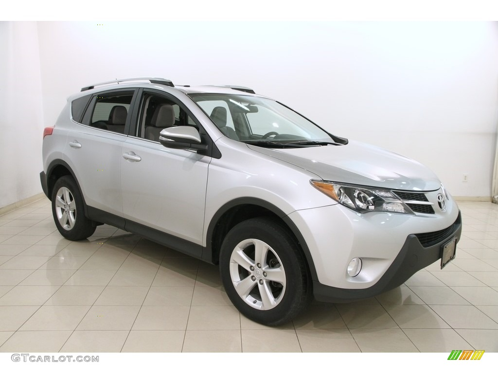2014 classic silver metallic toyota rav4 xle awd 120560773 photo 18 car color. Black Bedroom Furniture Sets. Home Design Ideas