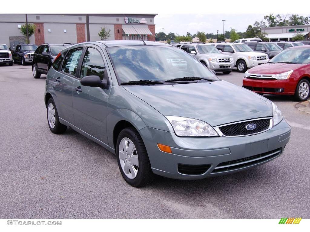 2006 light tundra metallic ford focus zx5 se hatchback 12048153 car color. Black Bedroom Furniture Sets. Home Design Ideas