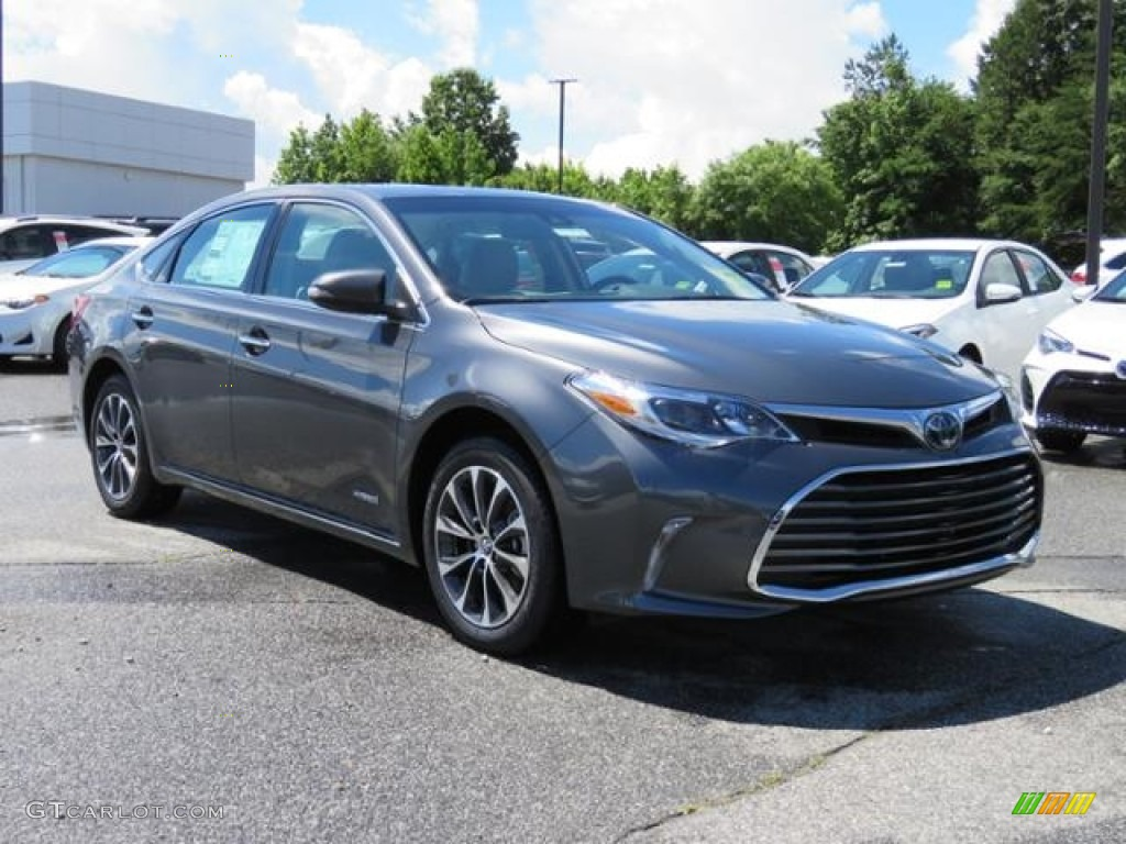 2017 magnetic gray metallic toyota avalon hybrid xle plus. Black Bedroom Furniture Sets. Home Design Ideas