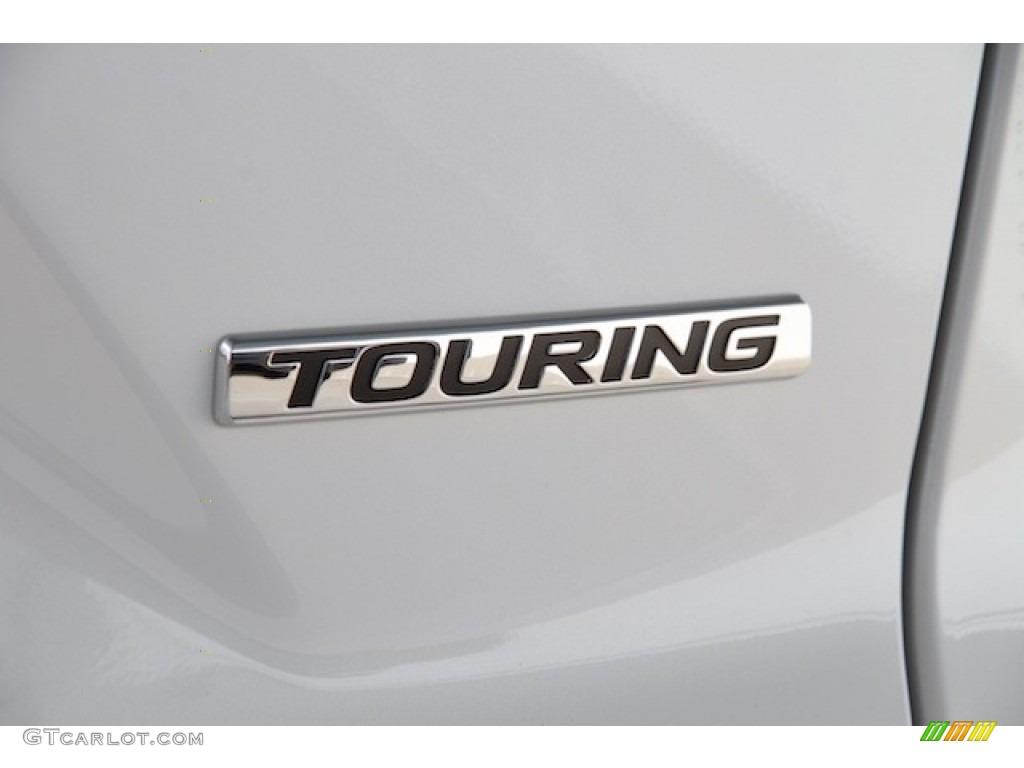2017 CR-V Touring - White Diamond Pearl / Black photo #4