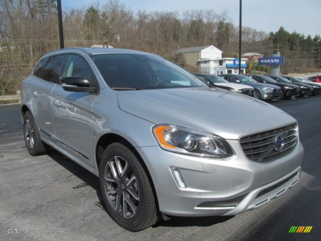 2017 bright silver metallic volvo xc60 t6 awd dynamic 121258302 photo 3 car. Black Bedroom Furniture Sets. Home Design Ideas