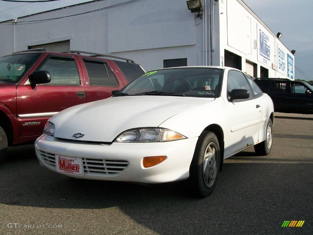 1999 Cavalier Coupe - Bright White / Graphite photo #1