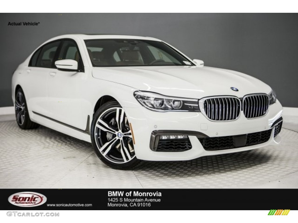 Alpine White BMW 7 Series