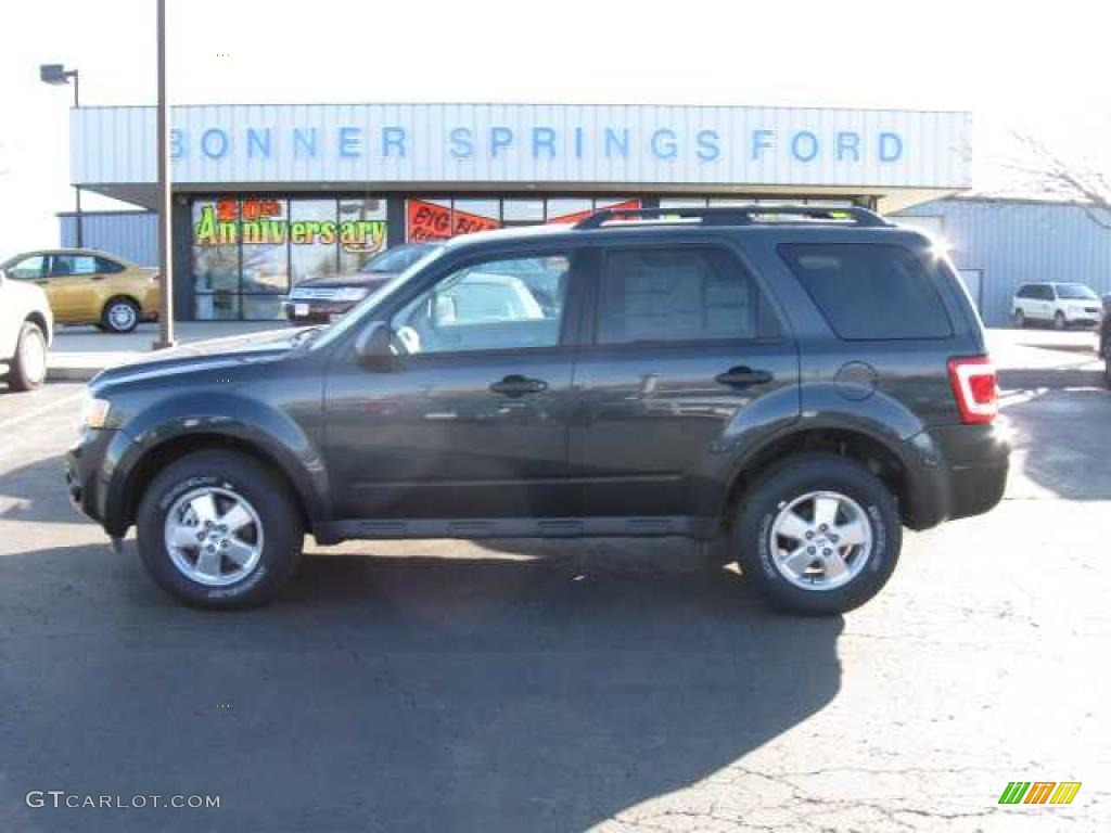 2009 Escape XLT V6 4WD - Black Pearl Slate Metallic / Stone photo #1