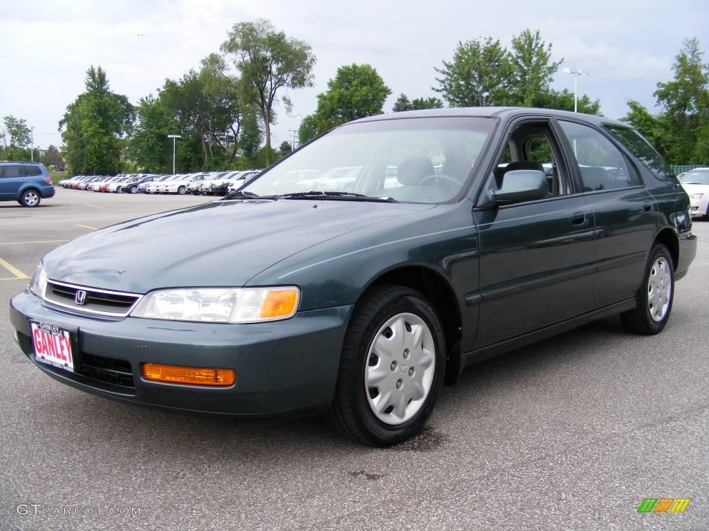 1997 Accord LX Wagon   Eucalyptus Green Pearl / Gray Photo #1