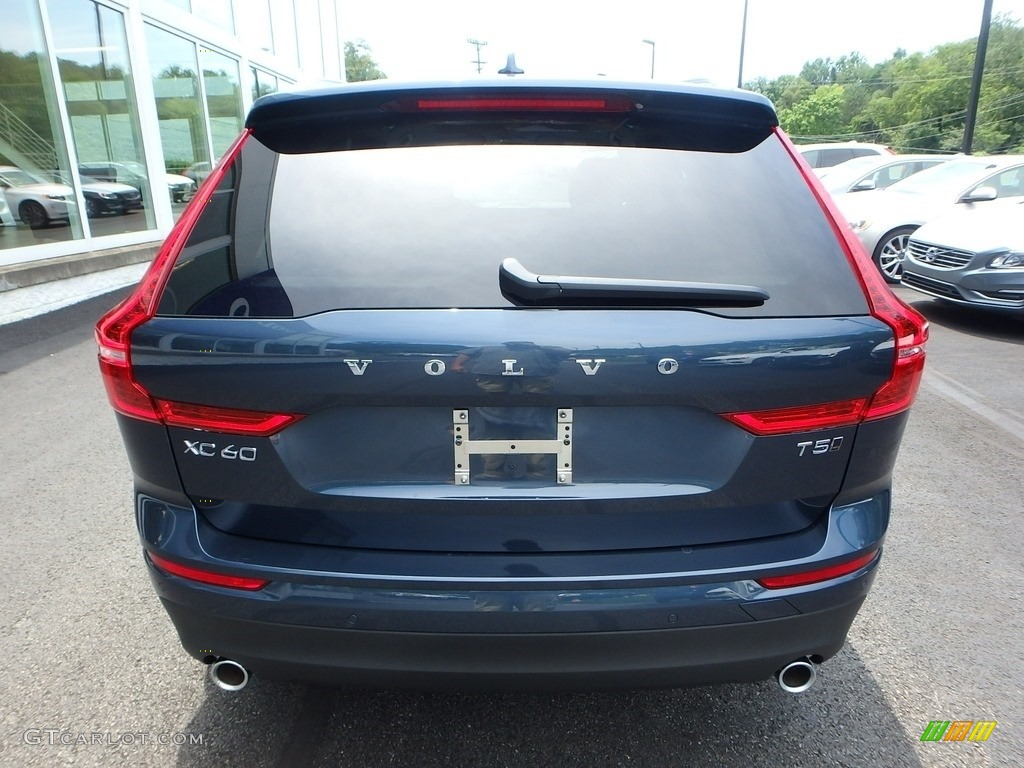 2018 bursting blue metallic volvo xc60 t5 awd momentum. Black Bedroom Furniture Sets. Home Design Ideas