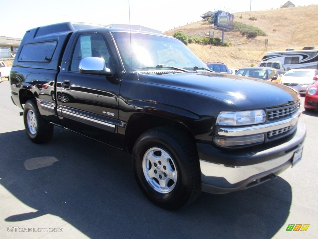 2002 Silverado 1500 LS Regular Cab 4x4 - Onyx Black / Graphite Gray photo #1