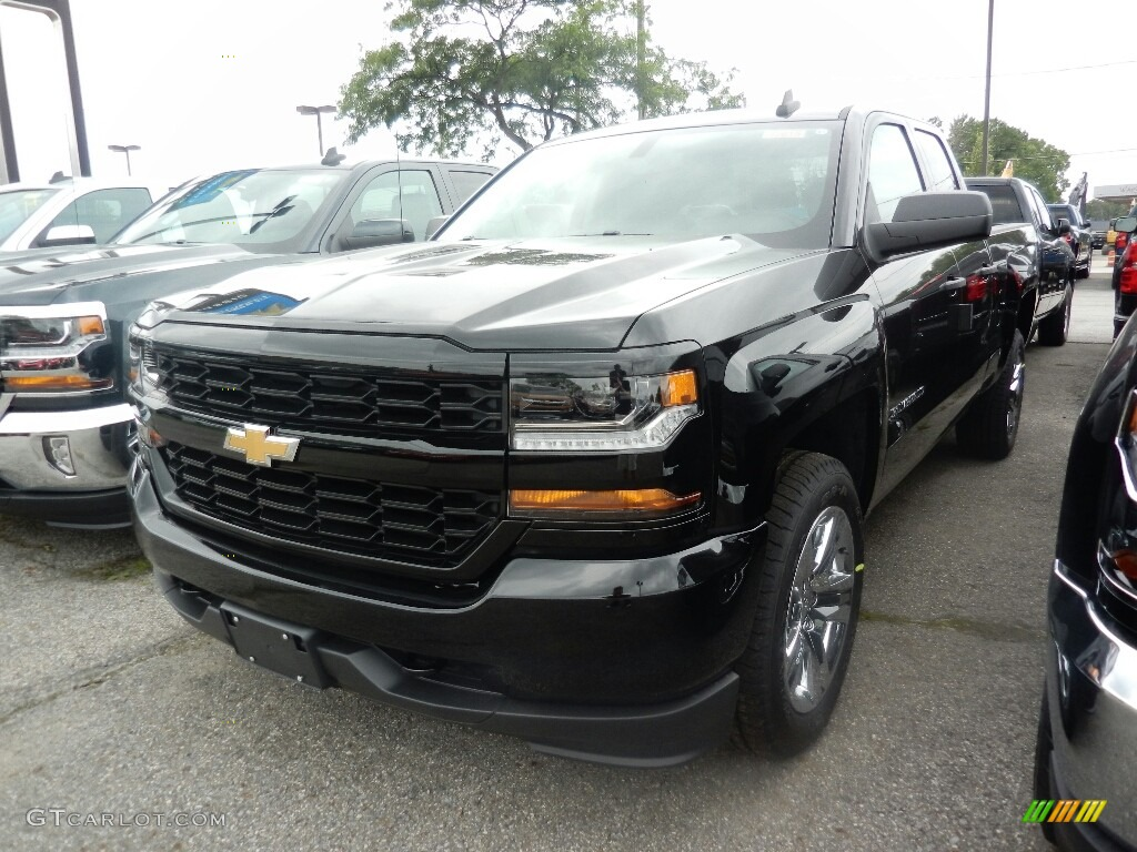 2018 Silverado 1500 Custom Double Cab 4x4 - Black / Dark Ash/Jet Black photo #1