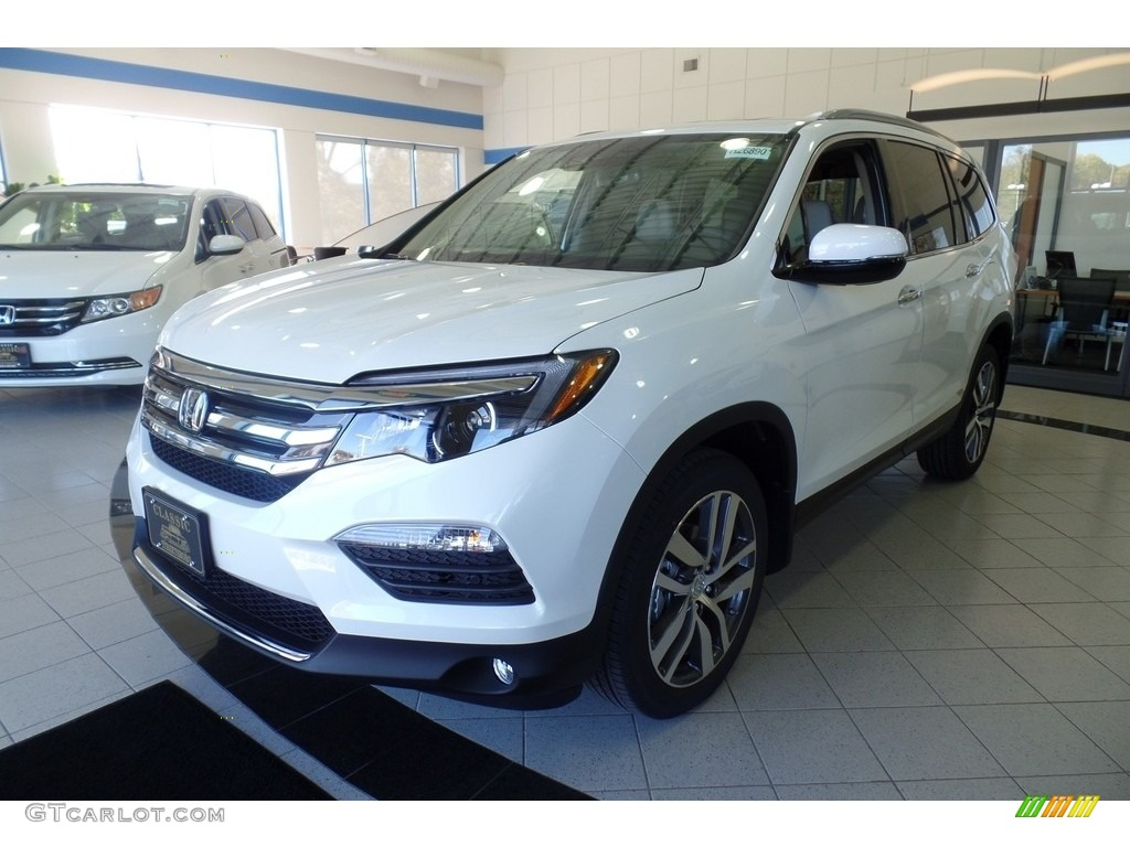 White Diamond Pearl Honda Pilot