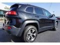 Brilliant Black Crystal Pearl - Cherokee Trailhawk 4x4 Photo No. 7
