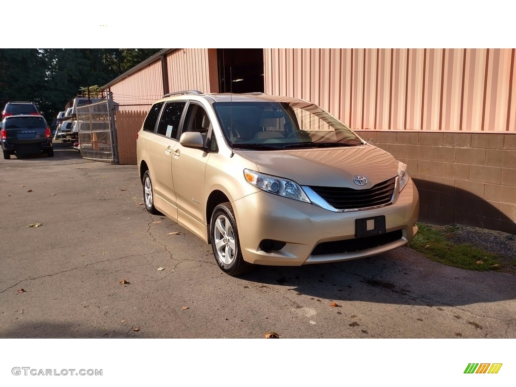 2012 Sienna LE - Sandy Beach Metallic / Light Gray photo #3