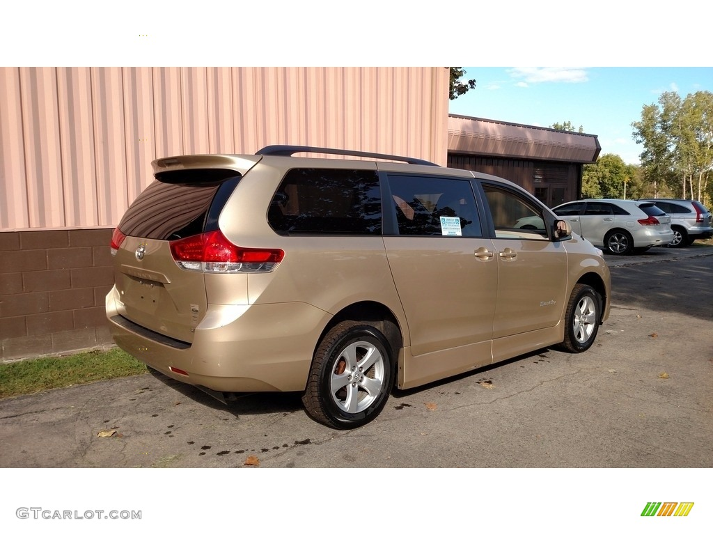 2012 Sienna LE - Sandy Beach Metallic / Light Gray photo #6