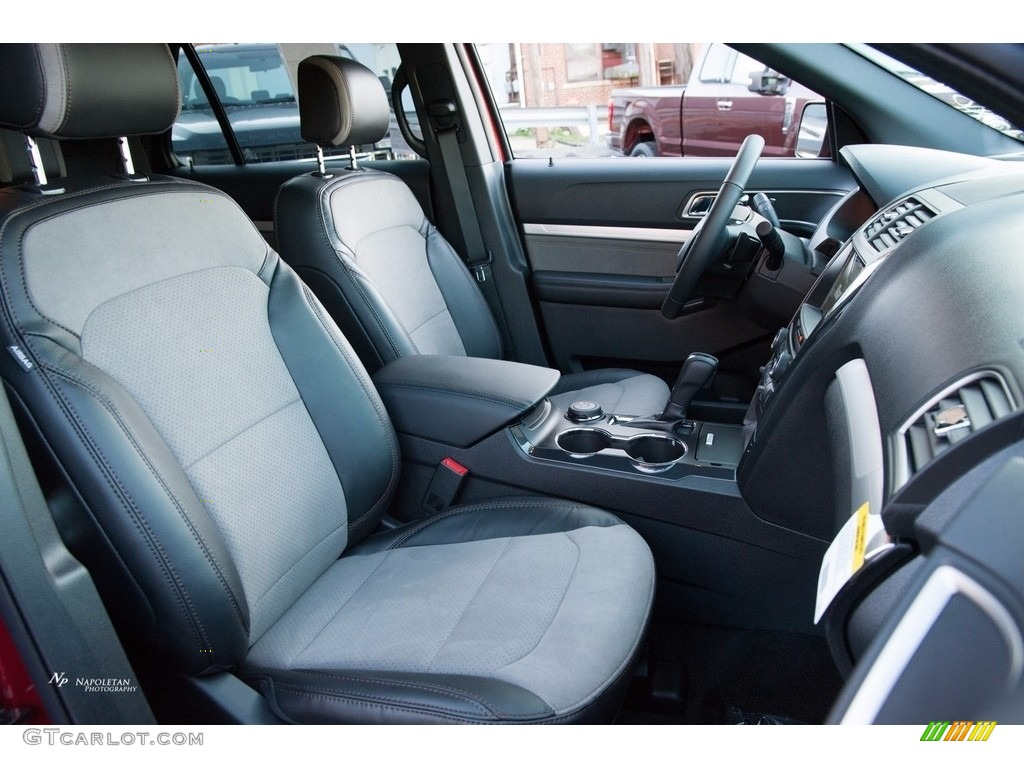 2017 Ford Explorer XLT 4WD Front Seat Photos